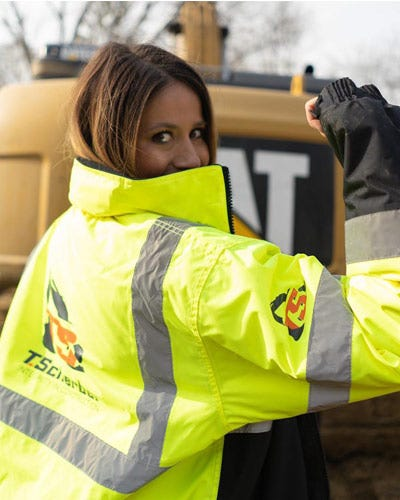 Janeen-Oliver-ML-Kishigo-Black-Series-Safety-Vest